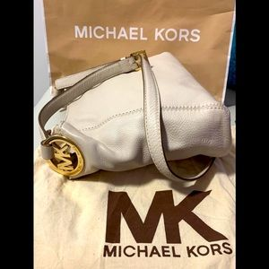 💖 SOLD New Michael Kors 💖Leather Crossbody Bag
